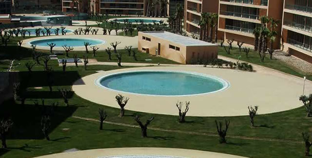 Epoxy flooring albufeira- Pool Deck